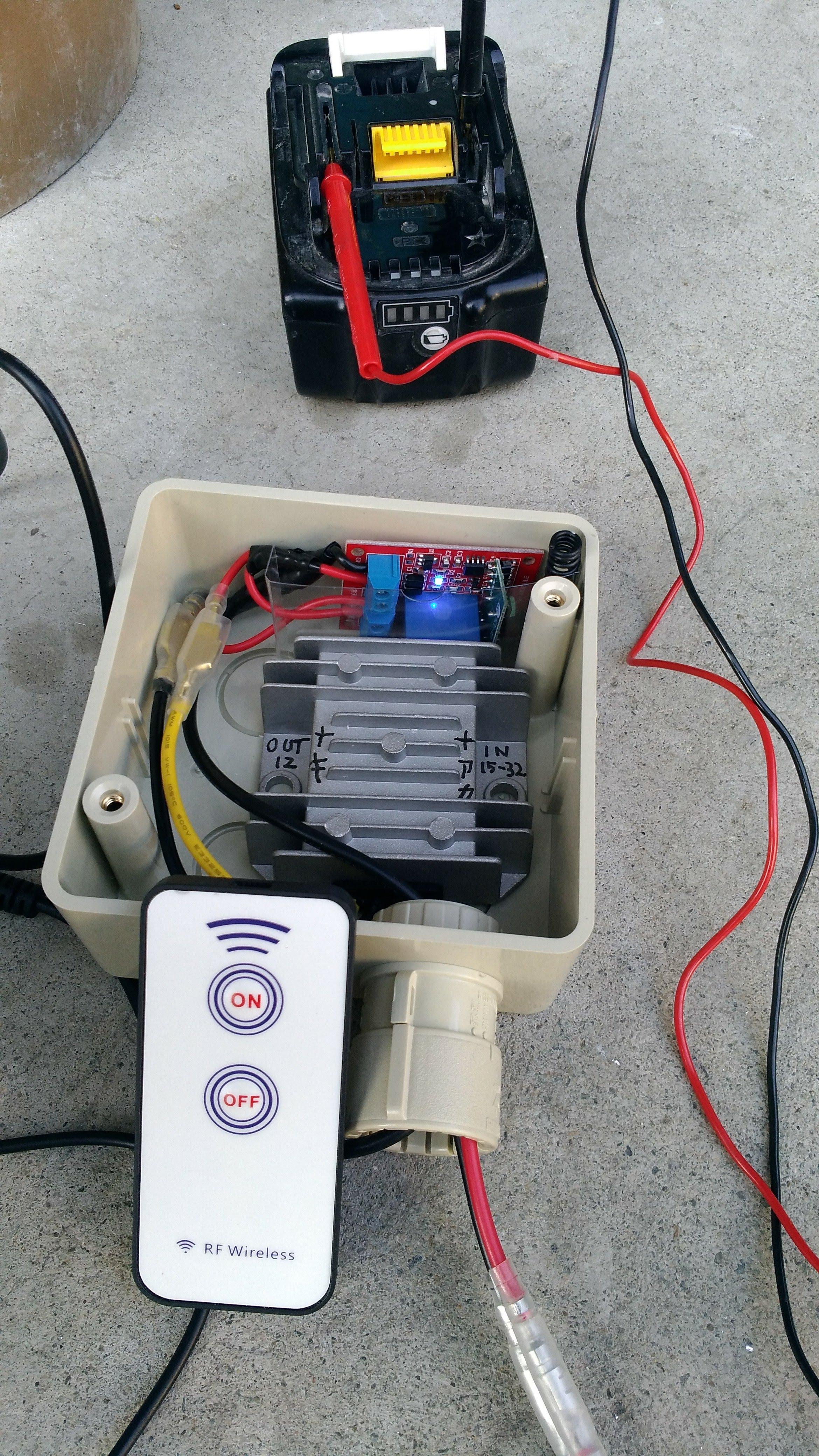 18V充電池→12V変換器